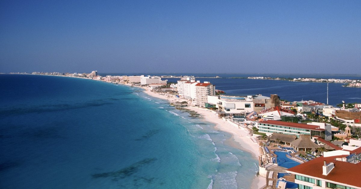 Top 10 adults only all inclusive resorts in mexico ehow uk for Best all inclusives in mexico for couples
