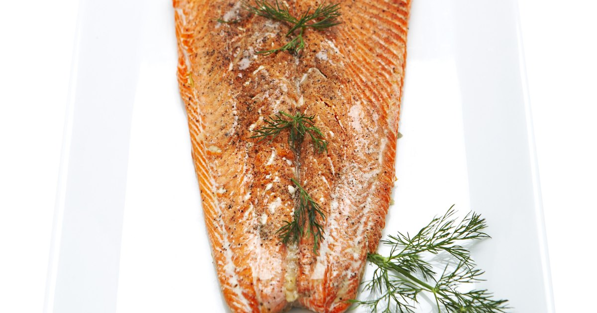 quick ways to thaw frozen salmon fillets ehow uk. Black Bedroom Furniture Sets. Home Design Ideas
