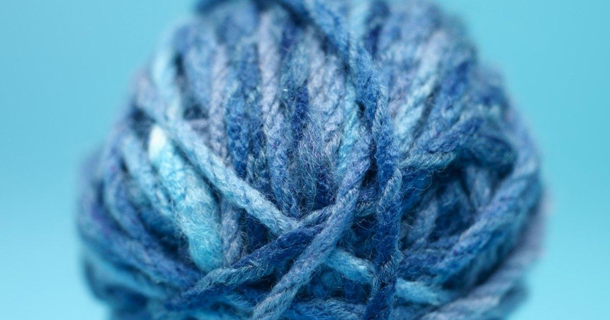 Finger Knitting Uses : How to finger knit a hat for beginner ehow uk