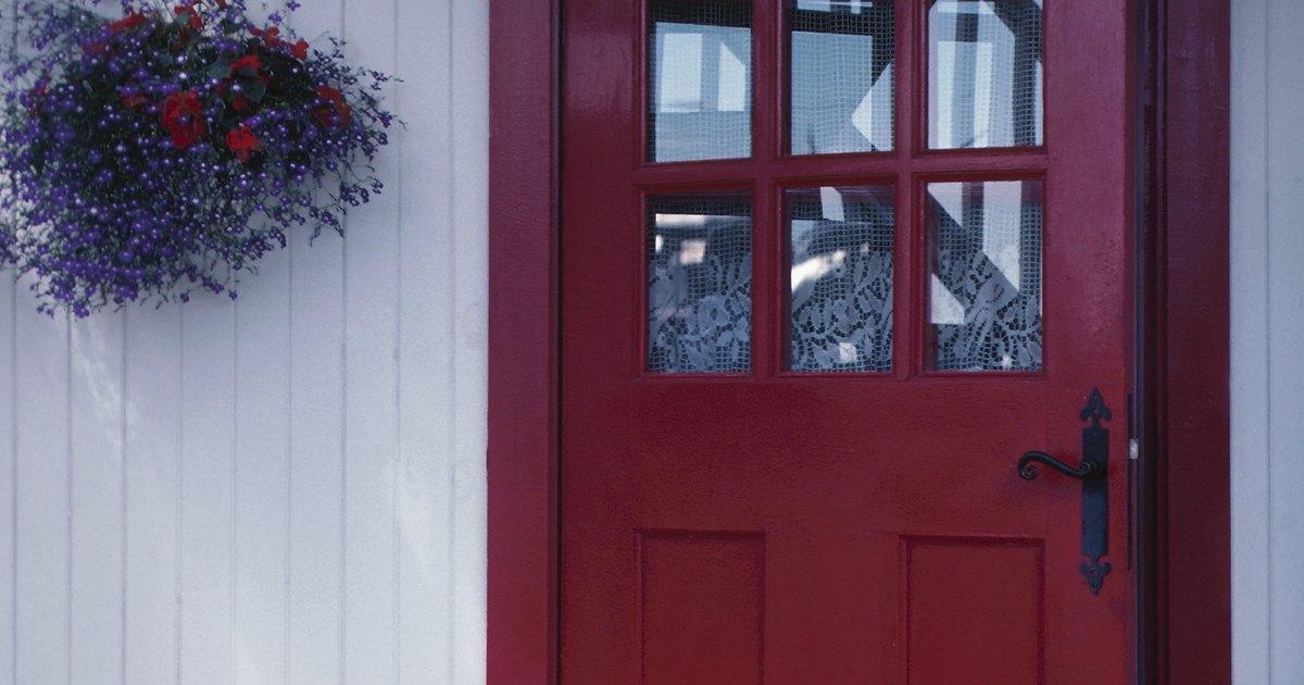 How to make a door wind stopper ehow uk for Door wind stopper