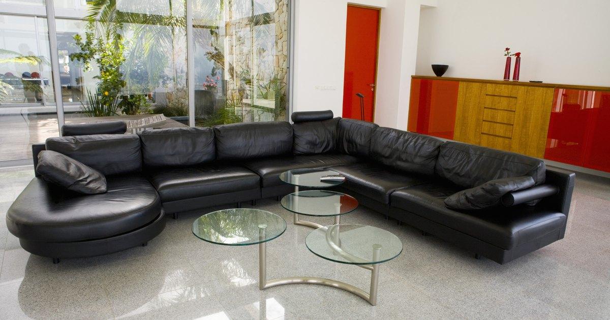 Bonded leather vs genuine leather sofas ehow uk - Sofas para cocinas ...