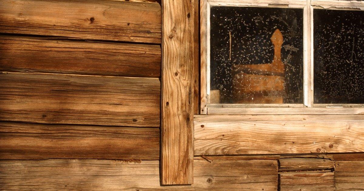 C mo reparar los marcos podridos de una ventana de madera for Reparar tejados de madera