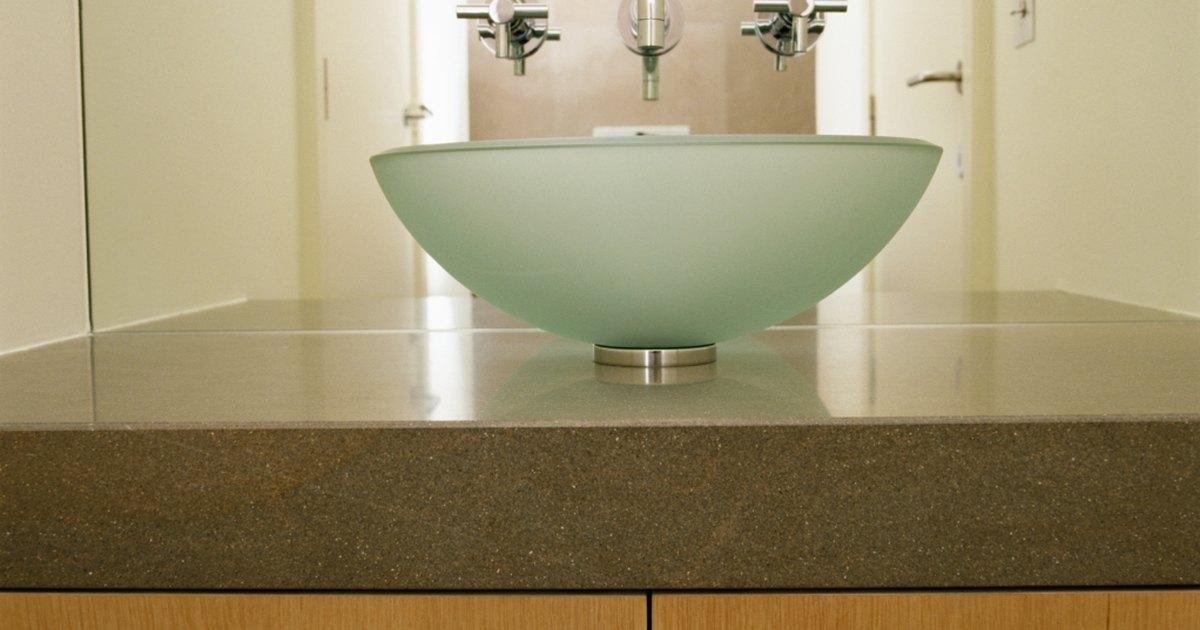 C mo limpiar manchas de agua dura en lavabos tipo vasija for Como quitar las manchas del piso del bano