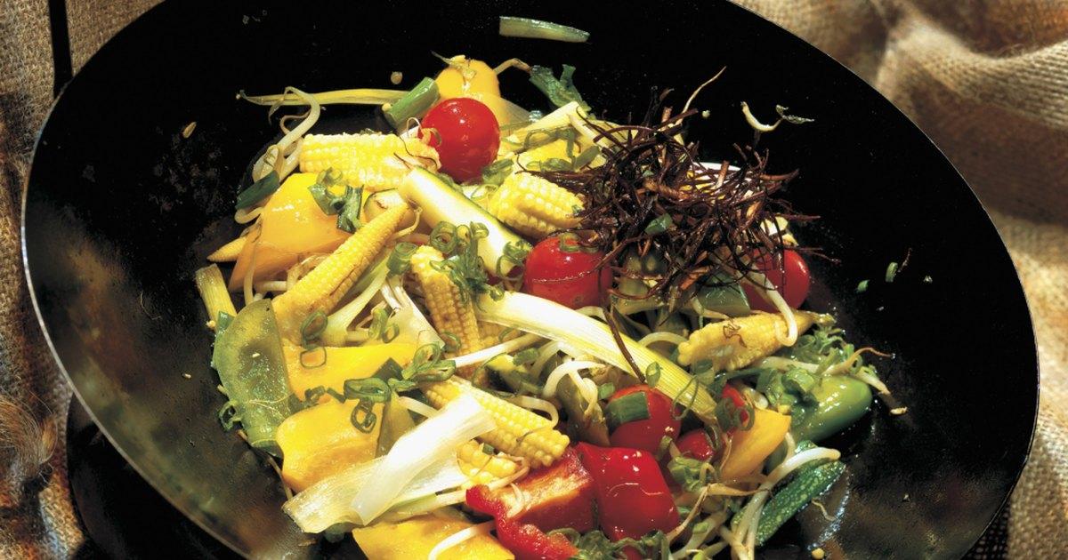C mo limpiar y volver a curar un wok de acero oxidado - Como limpiar metal oxidado ...