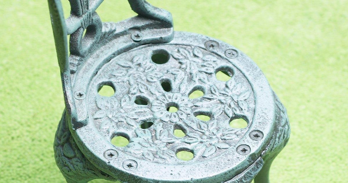 C mo quitar xido y pintura de las sillas de hierro para - Mejor pintura para hierro exterior ...
