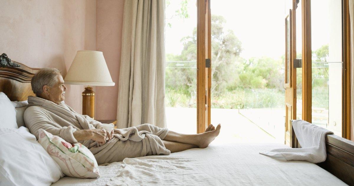 Planos para hacer una cama king size con cajones ehow en for Cuanto mide una cama king size en metros