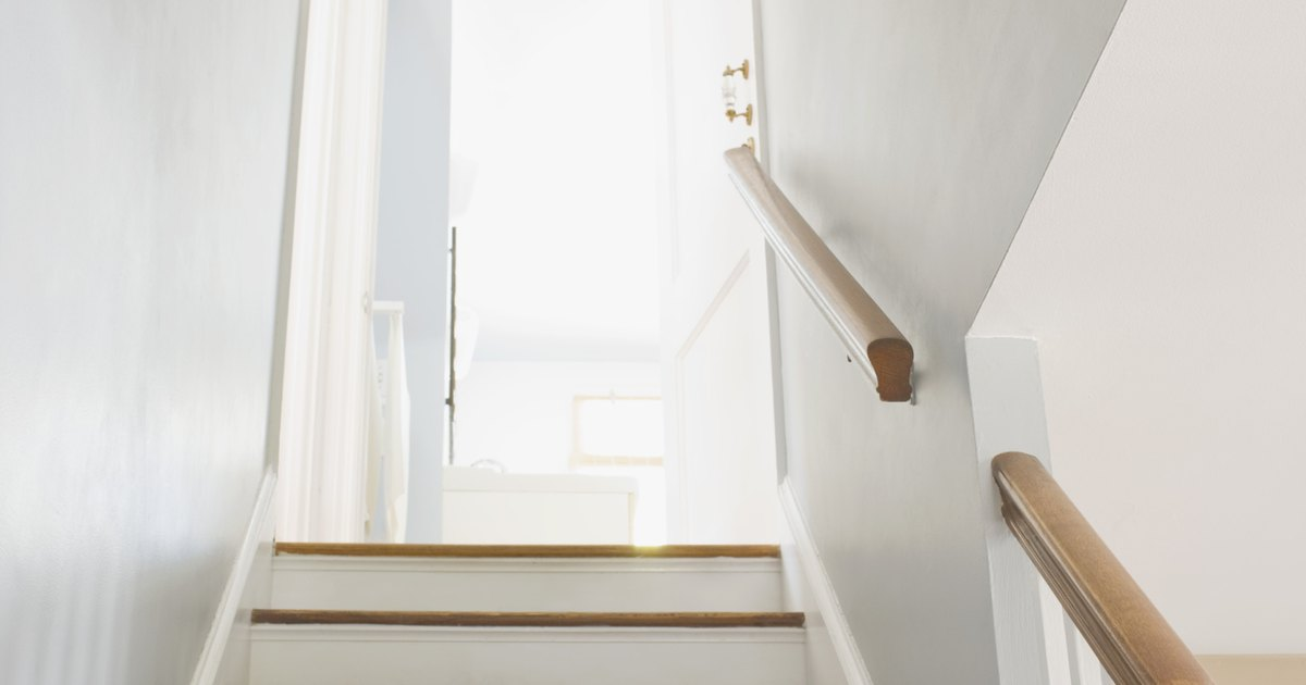 How To Hang Wallpaper On A High Staircase Ehow Uk