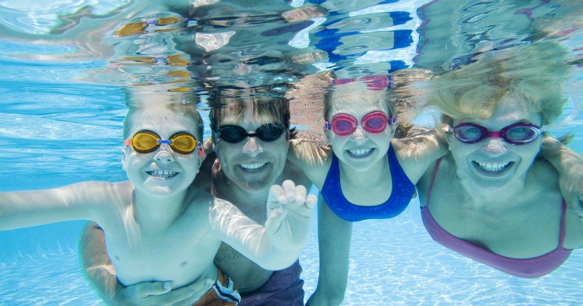 Los niveles de cloro de la piscina son muy altos ehow en for Nivel de cloro en piscinas