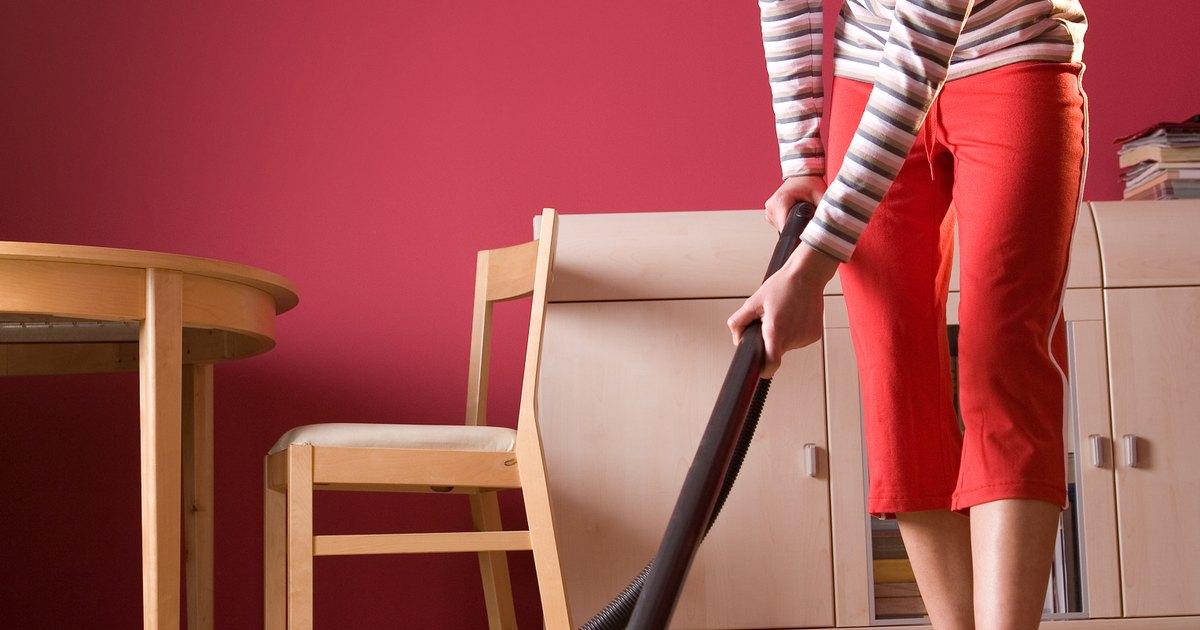 C mo limpiar una casa infestada de caros ehow en espa ol for Como eliminar los acaros de la casa
