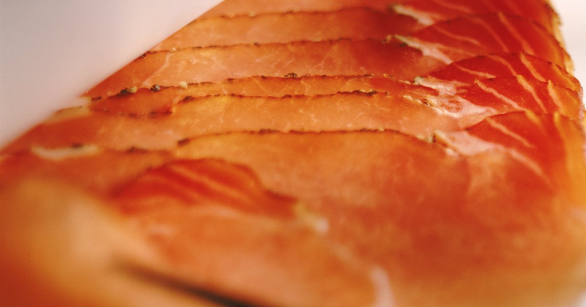 How to reheat smoked salmon ehow uk for Can you freeze smoked fish