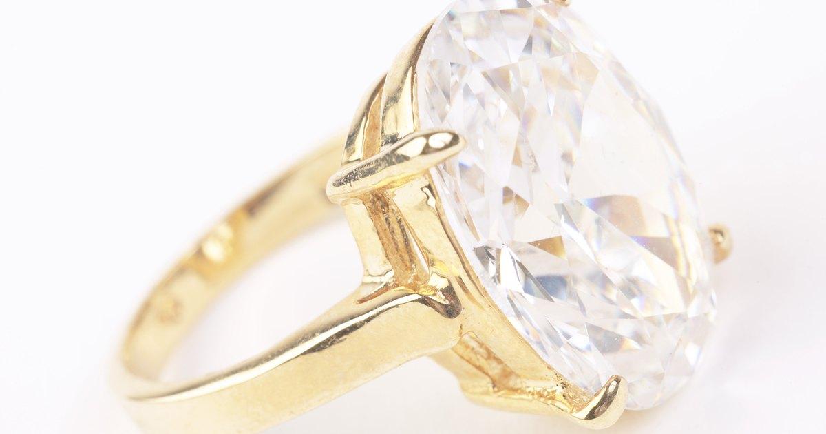 C mo limpiar joyas de diamantes en casa con limpiavidrio y - Como limpiar un lavavajillas ...