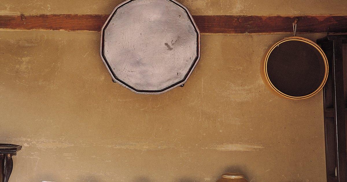 C mo crear un efecto de piedra en la pared usando pintura for Pintura efecto piedra