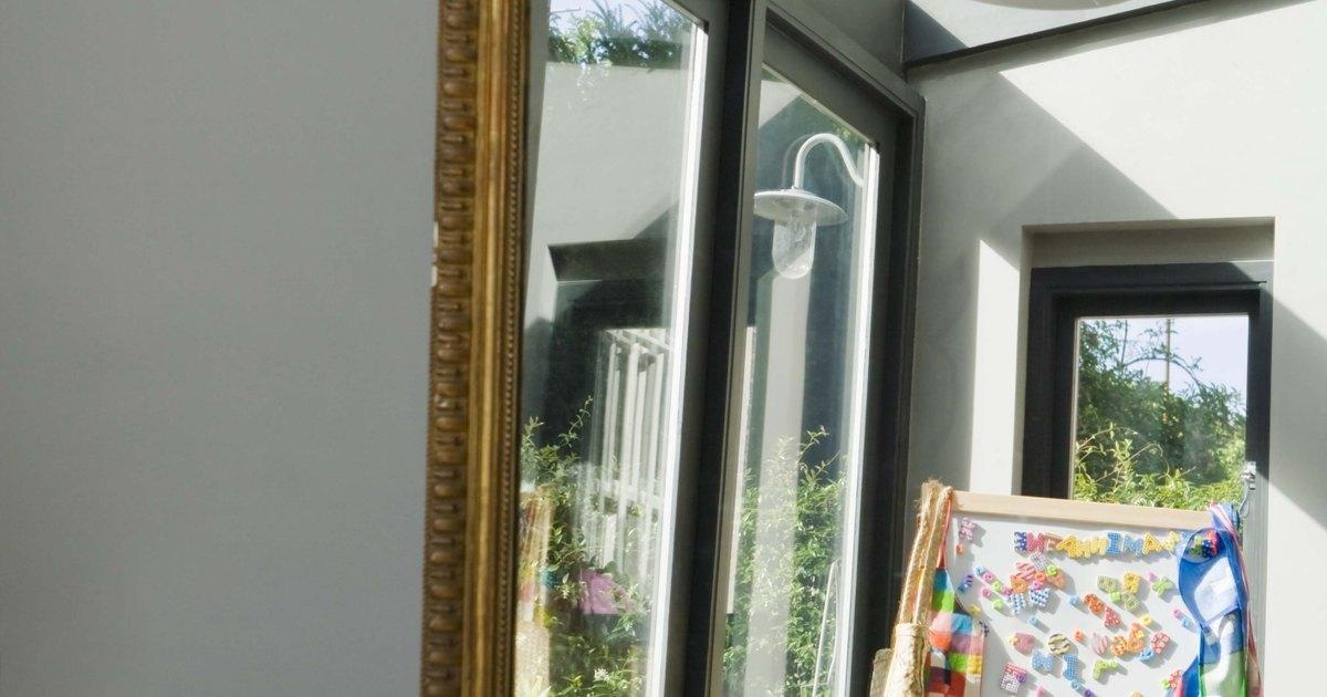 El mejor lugar en el feng shui para colocar un espejo en la sala ...