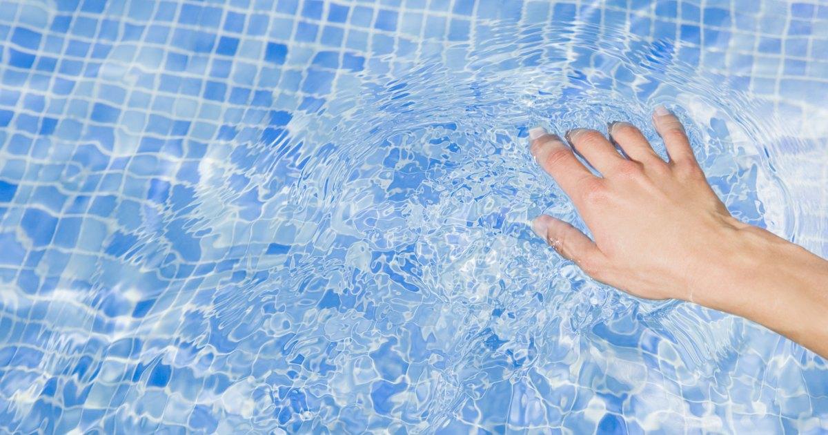 C mo quitar el polvo fino arena o sedimentos de una for Polvo en la piscina