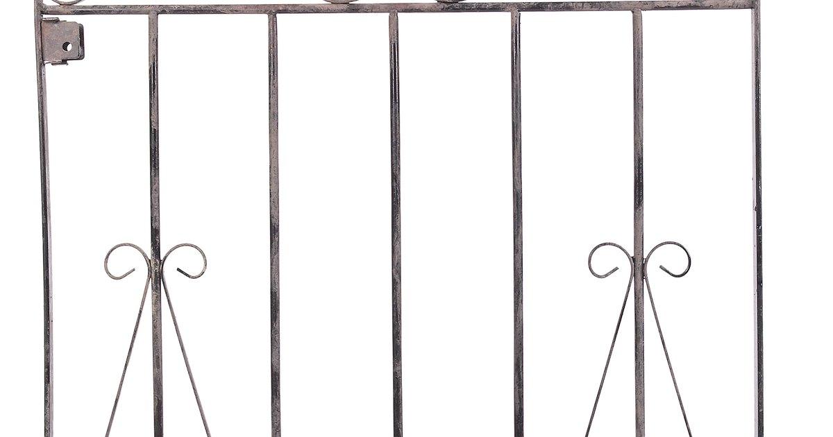 C mo pintar una puerta de hierro ehow en espa ol for Como pintar una puerta