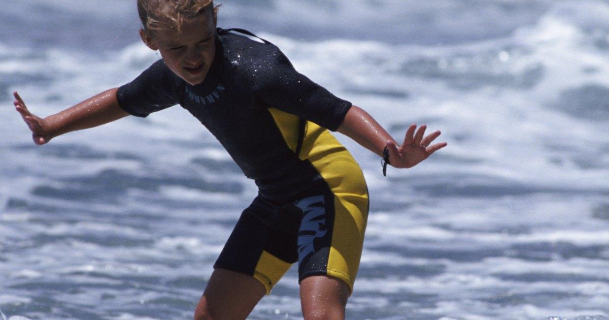 Surfboard crafts for preschoolers ehow uk for Surfboard craft for kids