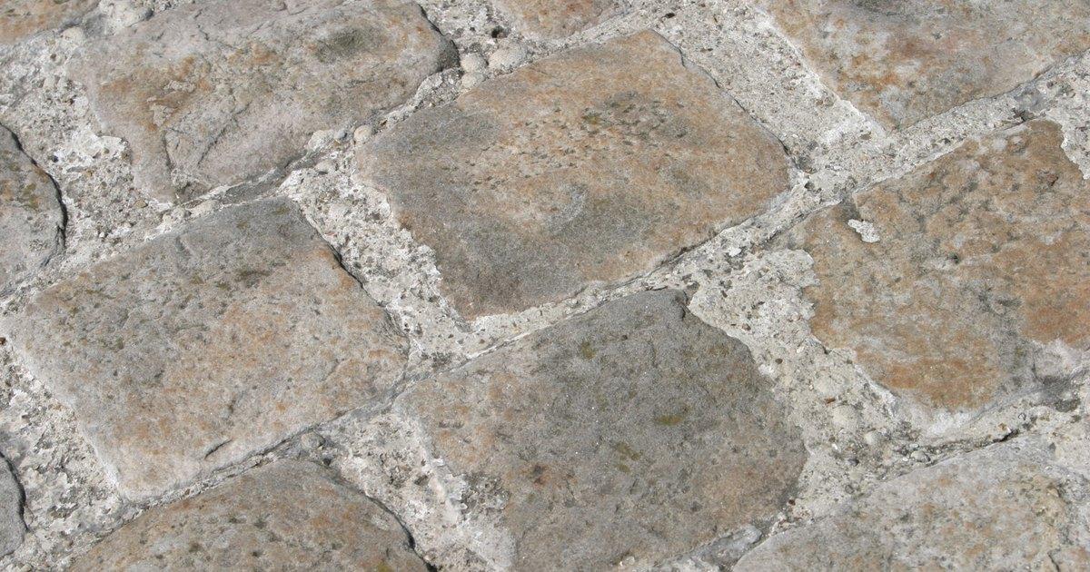 C mo hacer una imitaci n de piedra en un piso exterior de - Como hacer un piso de hormigon ...