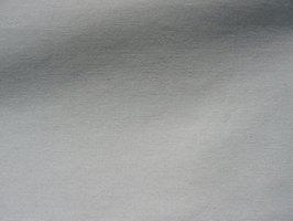 Como remover manchas de mofo em lona