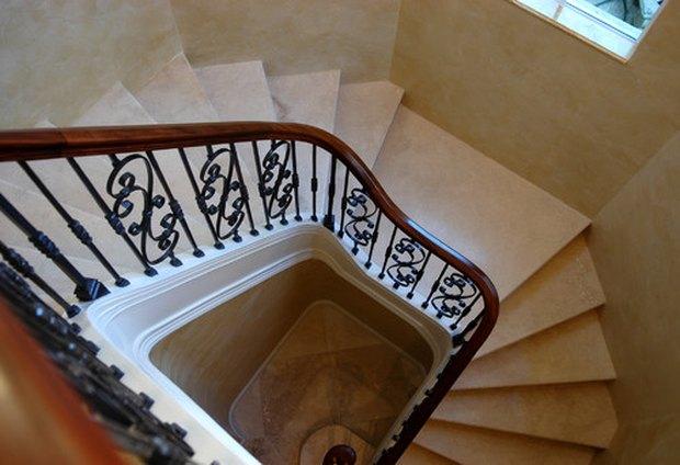 cosas que debes saber antes de actualizar el pasamanos de la escalera