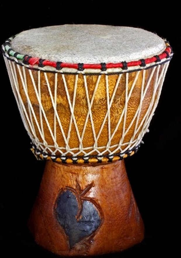 Different Types of African Drums & Their Uses | eHow UK