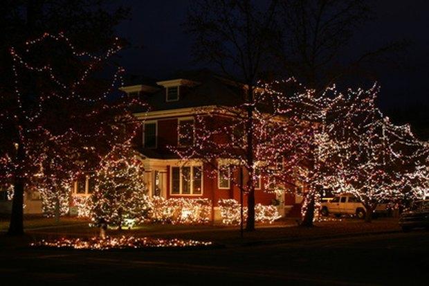 cmo instalar luces de exterior de led en navidad