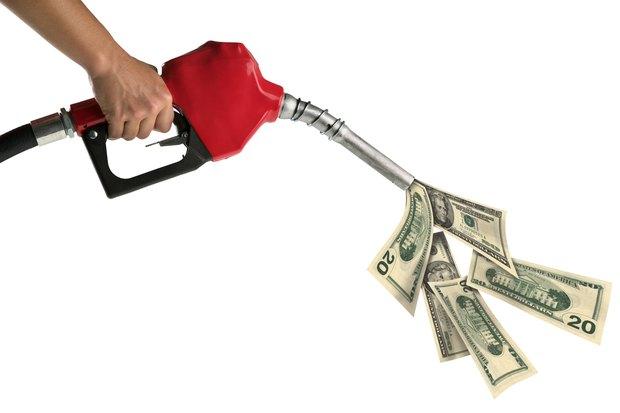 طرق توفير البنزين في استهلاك السيارة والسولار في سيارات النقل