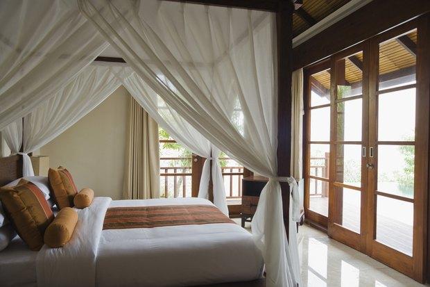 tipos de cortinas para generar un dormitorio romntico y moderno