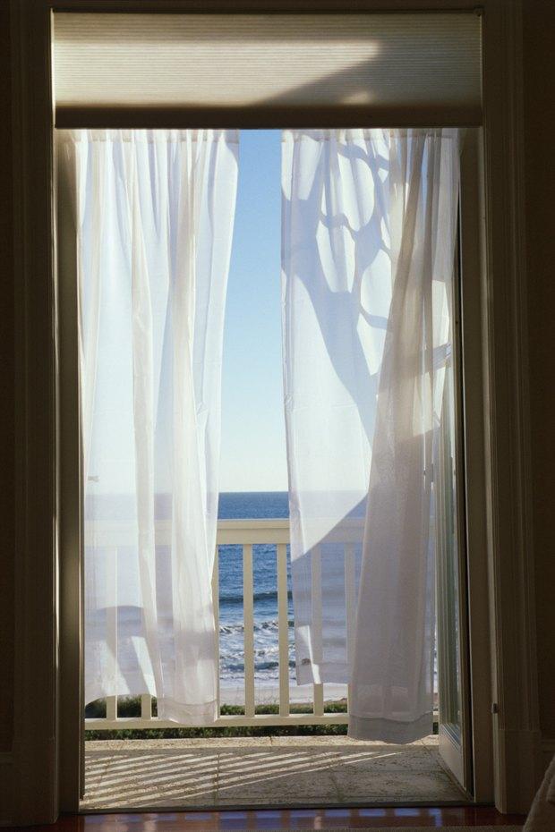 el mejor color para las cortinas de un dormitorio