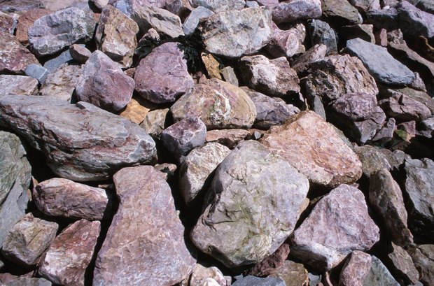 instalacin de piedras en el suelo
