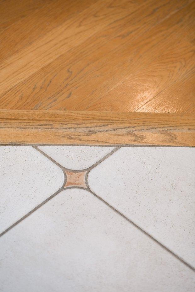 Cómo combinar pisos de madera dura y cerámica en diferentes ...