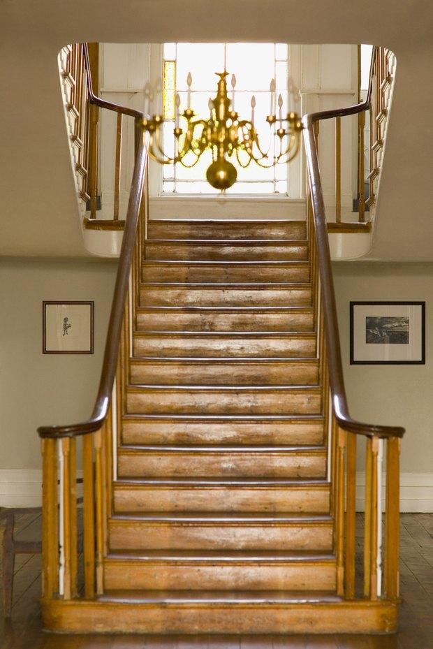 qu tipo de madera se puede utilizar para reemplazar los peldaos de la escalera
