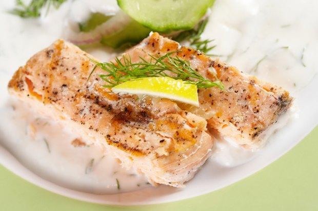 Cocinar Pescado Al Horno   Como Cocinar El Pescado Al Horno Y En Paquetes De Aluminio Ehow