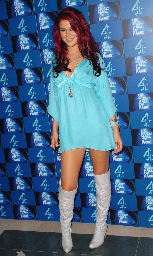 Imagenes de vestidos cortos con botas largas
