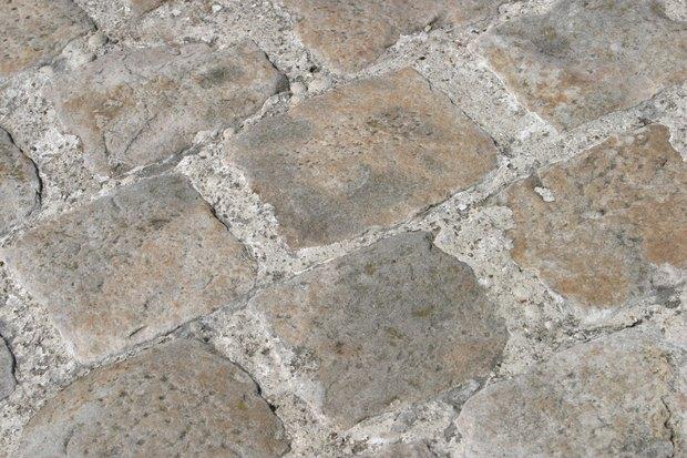 Cómo hacer una imitación de piedra en un piso exterior de hormigón ...